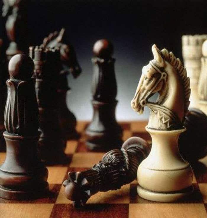 رقعة شطرنج 1