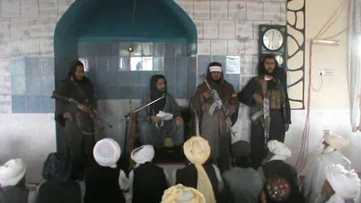 تلاوة كلمة سماحة أمير المؤمنين بمناسبة عيد الفطر المبارك وتوزيعها في المساجد بولاية ننجرهار