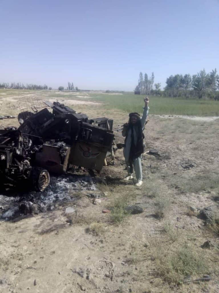 غزني: تحرير مقرين وتدمير 3 مدرعات ومقتل وإصابة 12 جنديا في شلجر