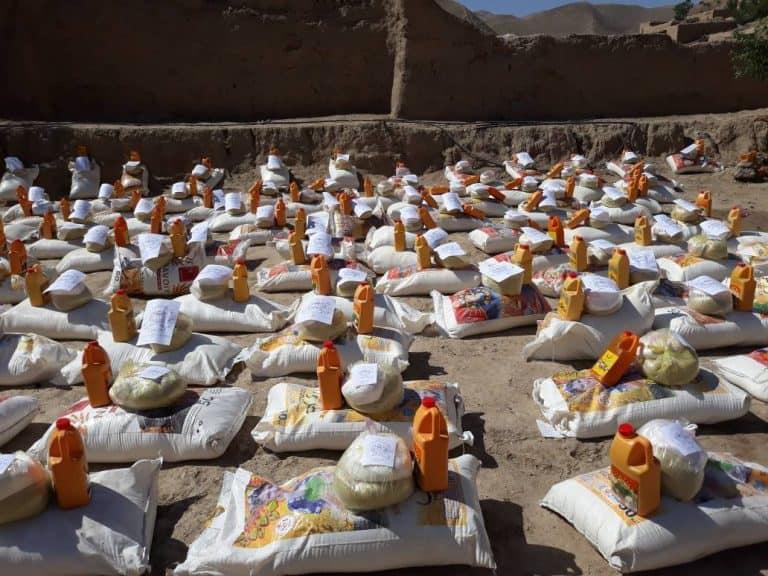 توزيع المساعدات على الفقراء والمحتاجين في مديرية سربل