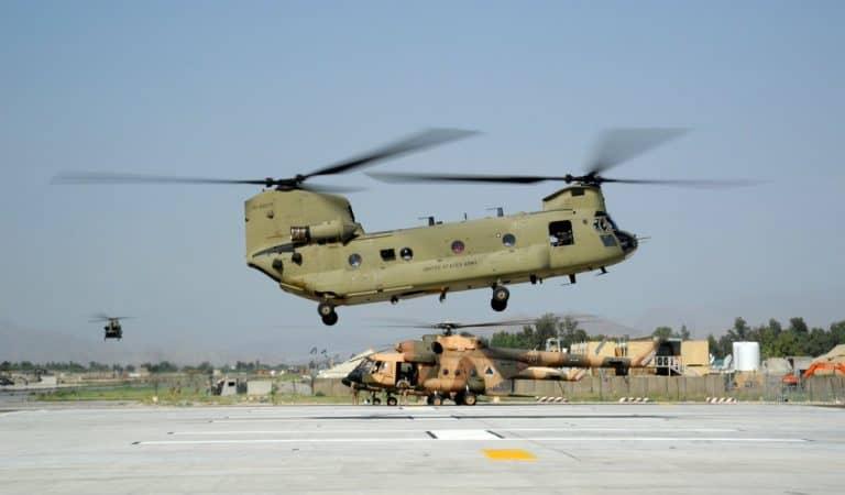 قصف الجزء العسكري من مطار جلال آباد حيث تستقر فيه القوات الأمريكية